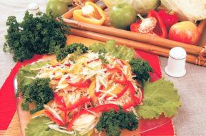 Салат из белокочанной капусты с яблоками