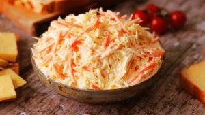 Салат из белокочанной капусты с майонезом