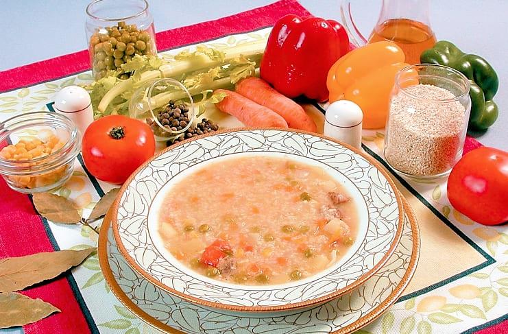 Деревенский суп с говядиной и овощами
