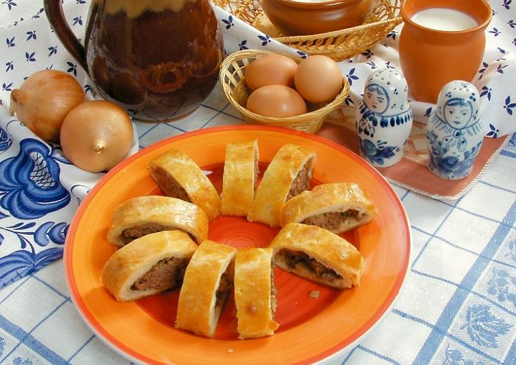 Русский пирог кулебяка с мясом