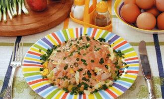 Рыбный салат из отварного окуня