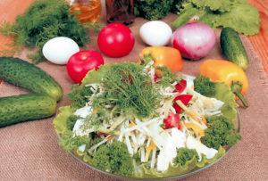 Салат из говядины с редькой и луком
