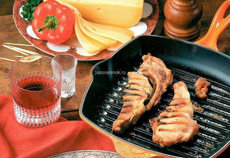 Свиные отбивные с сыром на сковороде