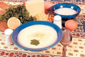 Яичный суп с рисом и сыром