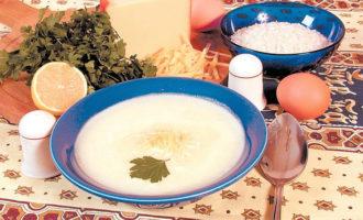 Яичный суп - легкое первое блюдо
