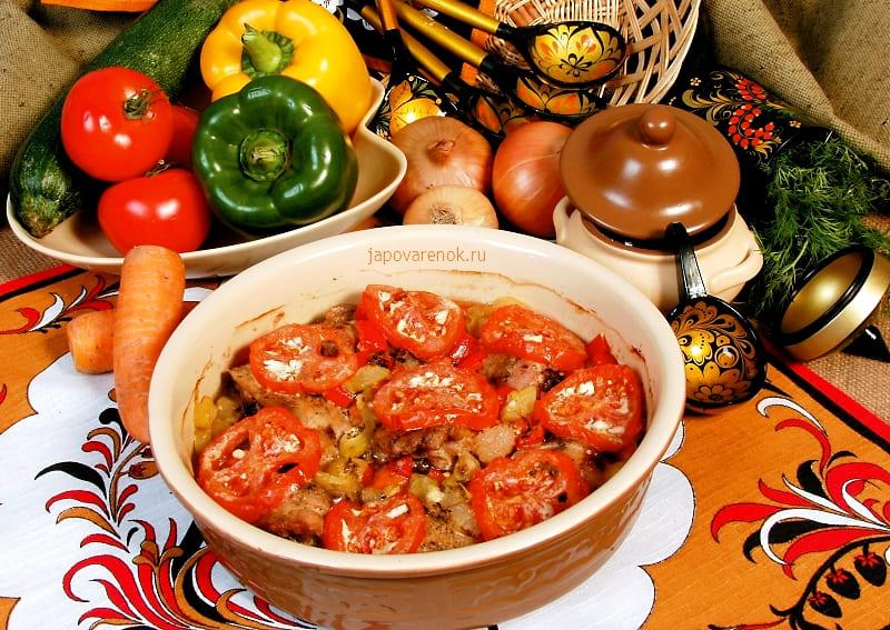 Вкусная курица запечённая с овощами в духовке