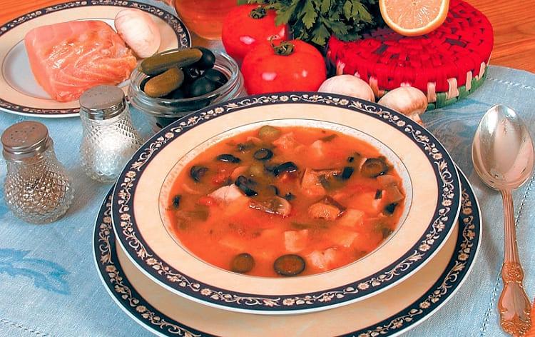 Наваристый густой суп-гуляш рыбный