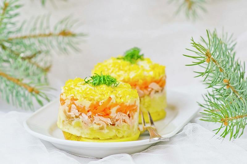 Классический салат Мимоза с горбушей