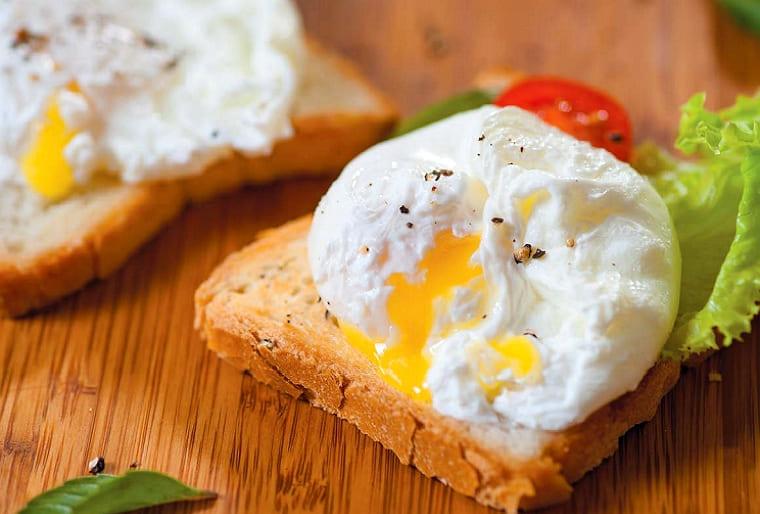 Яйца пашот варят без скорлупы