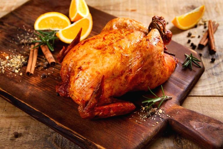 Курица фаршированная блинами и яйцами