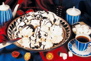 Торт из безе со сгущёнкой – Извержение вулкана