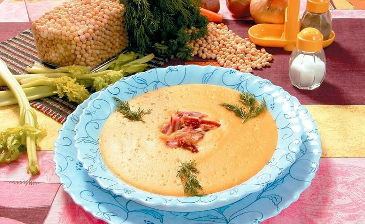 Рецепт приготовления горохового супа-пюре с копчеными ребрышками
