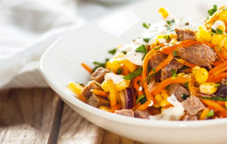 Салат с отварной говядиной и корейской морковкой