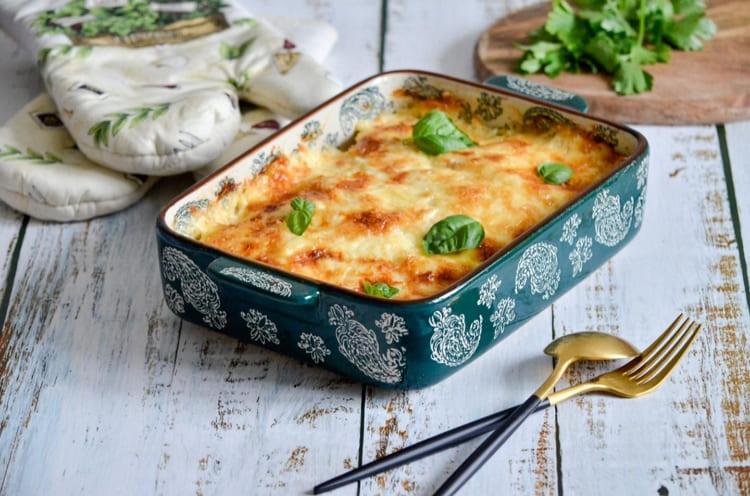 Рецепт мясо по французски: лук помидор сыр