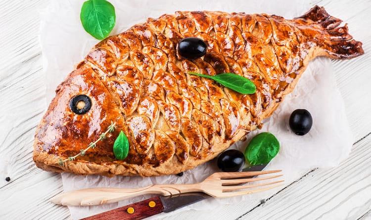 Кулебяка с рыбой из дрожжевого теста