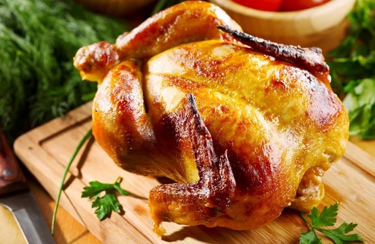 Запекаем курицу фаршированную грибами в духовке целиком