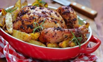 Курица в духовке с картошкой и лимоном