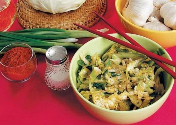 Готовим салат из свежей капусты или китайского салата
