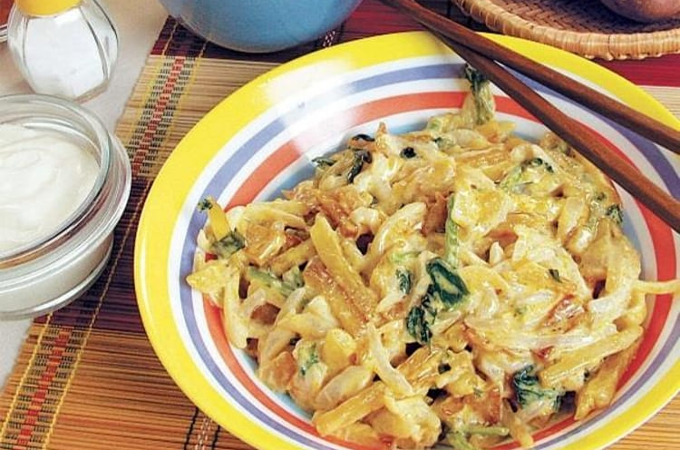 Оригинальный салат из картофеля и редиса
