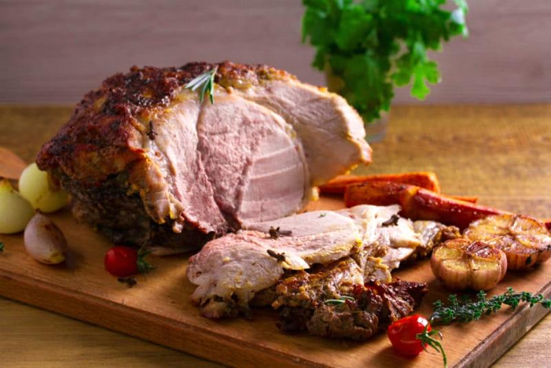 Буженина из свинины в фольге
