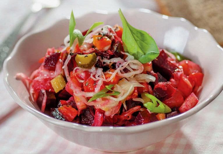 Салат винегрет с черносливом