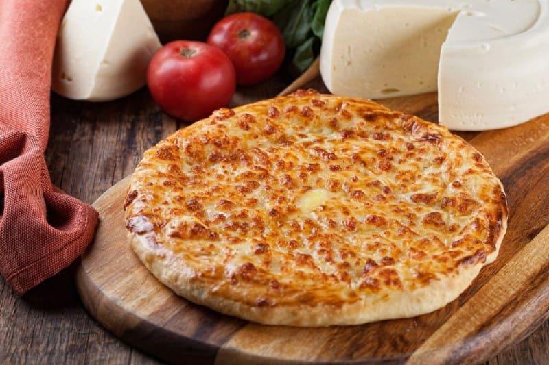 Лепёшка с сыром Хачапури по-мегрельски