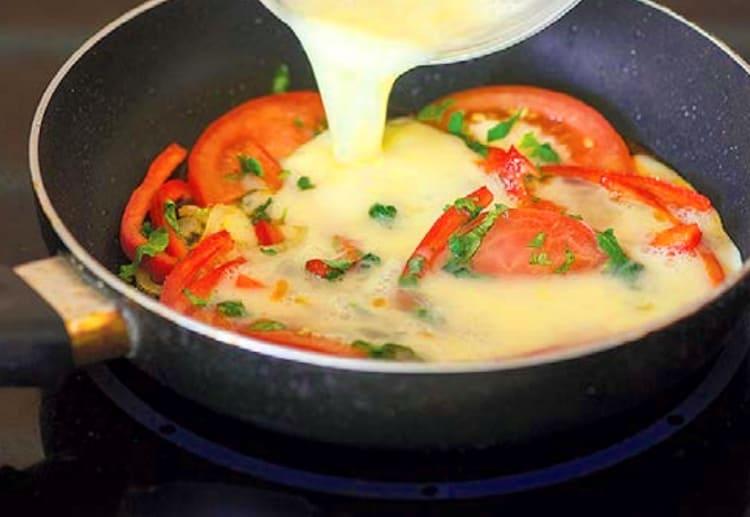Шакшука - блюдо из куриных яиц
