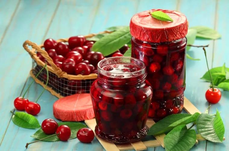 Варенье из вишни с косточками на зиму