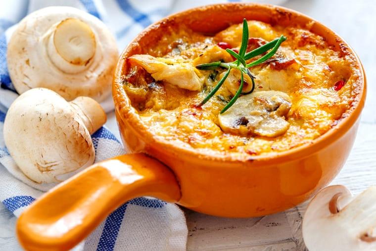 Куриный жюльен или жульен с сыром и сливками