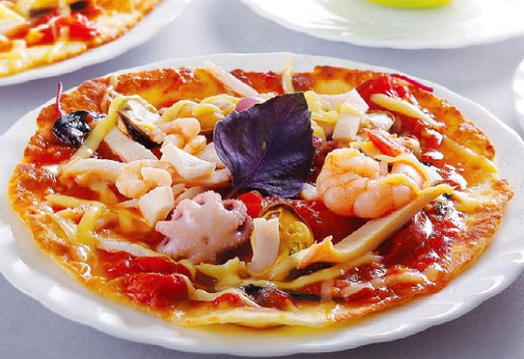 Домашняя пицца с морепродуктами